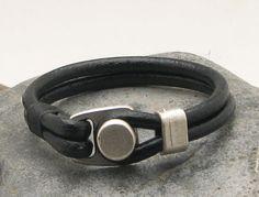 FREE SHIPPING. Men's leather bracelet.Black leather by eliziatelye