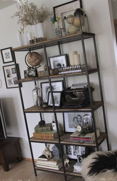 Diy Home Decor Rustic, Vintage Industrial Furniture, Rustic Furniture, Diy Furniture, Industrial Style, Ikea Industrial, Furniture Design, Industrial Living, Furniture Stores