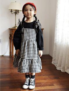 Honeybee Collection - Trendy Korean Fashion Styles for Girls - KKAMI Stylish Kids Fashion, Toddler Fashion, Little Girl Fashion, Little Girl Dresses, Cute Outfits For Kids, Toddler Outfits, Thalia, Kids Wear, Korean Fashion