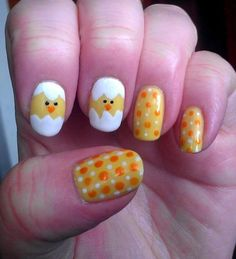 yellow and white nails... i'm going to do this for sure!! love my chickens! :)