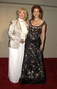 Joely Fisher and Connie Stevens Famous Catholics, Joely Fisher, Suzanne Pleshette, James Stacy, Connie Stevens, Old Movie Stars, Guys And Dolls, Family Affair, Aging Gracefully