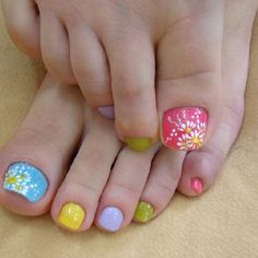 Fun spring toe nails!!