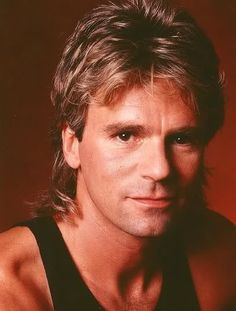 Richard Dean Anderson (MacGyver) met een typisch 80's kapsel (klik op het plaatje voor artikel '80's hairstyles for men').