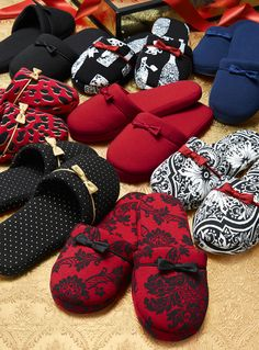 Laurie's Must-Give Gift: Embraceable Slipper #LauriesLoves #SomaIntimates