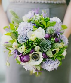 Ramo de novia con flores verdes y moradas :: Purple and green bouquet