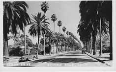 Real Photo Postcard Homes of Hollywood Stars California Golden Age Of Hollywood, Vintage Hollywood, Hollywood Stars, Classic Hollywood, Miss California, California History, Los Angeles California, Southern California, Vacation Destinations