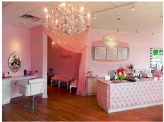 Blow and Go- the blow dry bar i'm makeup artist at! Super cute place!
