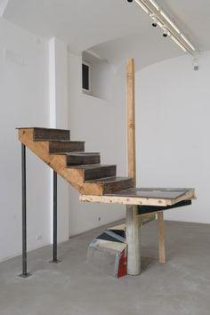 Oscar Tuazon/Elias Hansen - Untitled (Kodiak Staircase) - 2008 - photo Giorgio Benni - courtesy Collezione Giuliani