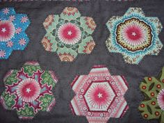 Quiltsmith Australia: Class Blast We love Hexagons. Beautiful fussy cutting with fabulous results.