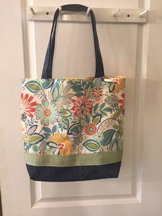 Best 12 Mexican Fiesta Red Floral Print and White Linen Beach Tote Bag – SkillOfKing. Diy Reusable Bags, Cute Diaper Bags, Handbag Tutorial, Denim Purse, Recycled Denim, Patchwork Bags, Beach Tote Bags, Printed Bags, Couture