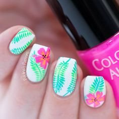 Possible Danger Signs On Vacation Nails Beach Tropical You Must Know About 32 - . - The most beautiful nail designs Bright Summer Nails, Spring Nails, Cute Nails, My Nails, Tropical Nail Designs, Tropical Nail Art, Essie, Vacation Nails, Jelly Nails