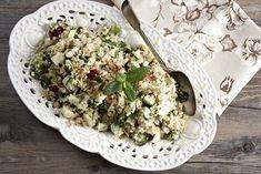 20+1 σαλάτες που πρέπει να δοκιμάσετε! - www.olivemagazine.gr Cake Roll Recipes, My Recipes, Recipies, Cooking Recipes, Chrismas Cake, Salad Bar, Rolls Recipe, Salad Dressing, Feta