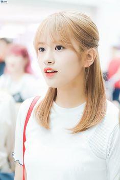 Kpop Girl Groups, Kpop Girls, Arin Oh My Girl, Yu Jin, Japanese Girl Group, Beautiful Fairies, Extended Play, Celebs, Celebrities