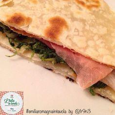 #italianstreetfood parte 3^. Ecco la #Piadina erbe e prosciutto crudo per #italiaintavola #emiliaromagnaintavola #italianfood #italy #emiliaromagna