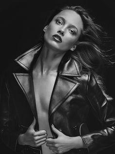 Karmen Pedaru by David Roemer for Vogue Mexico November 2015 - Louis Vuitton