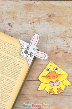 With Easter just around the corner we are sharing this tutorial showing you how to make our Easter Corner Bookmarks With Template – make a bunny and a chick and encourage your kids to read more. # Easter Corner Bookmarks With Template Diy Crafts Hacks, Diy Home Crafts, Creative Crafts, Easy Crafts, Paper Crafts Origami, Paper Crafting, Corner Bookmarks, Paper Bookmarks, Easter Crafts For Kids