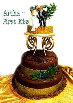 3 tiers in rich chocolate with handmade koru ferns and first kiss figurine flax weaving surround (all edible) and funky heart stand Auckland Cake Art New Zealand Wedding Birthday and naughty cakes Tongan Wedding, Samoan Wedding, Polynesian Wedding, Wedding Cake Designs, Wedding Cakes, Wedding Ideas, Island Cake, Polynesian Designs, Interracial Wedding