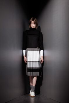 Veronique Branquinho | Pre-Fall 2015 | 20 Black 3/4 sleeve top and grey/white/black pleated midi skirt