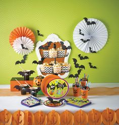 Our Gone Batty Halloween party supplies and decorations are now on sale! We have taken 70% Off Halloween party tableware and decorations. Dessert plates 96 ct for only $7.02 - Dinner plates 96 ct for only $8.73 - Napkins 192 ct for only $8.73 - For a limited time only!