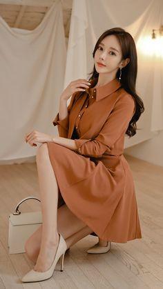 Fashion Models, Girl Fashion, Fashion Outfits, Womens Fashion, Cute Asian Girls, Beautiful Asian Girls, Hair Colour For Green Eyes, Good Looking Women, Asian Fashion