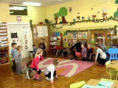 Jadę, jadę Kindergarten, Kids Rugs, Education, School, Youtube, Gross Motor, How To Make, Game, Kid Friendly Rugs