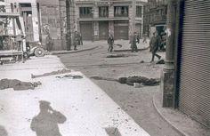 Corpses in Madrid, Spain, 1936 Spain History, Art History, Spanish War, Foto Madrid, Historia Universal, Civil War Photos, Lest We Forget, Monochrome, Barcelona