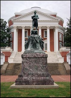Statue of Thomas Jefferson, University of Virginia, Charlottesville, Virginia Copyright: chris Protopapas