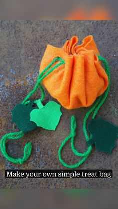 Diy Halloween Treats, Halloween Favors, Halloween Crafts For Kids To Make, Easy Fall Crafts, Kids Crafts, First Sewing Projects, Sewing Ideas, Thanksgiving Diy, Kids Bags