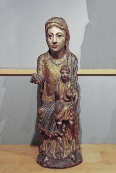 Virgen románica. Mare de Déu amb el Nen, siglo XIII, España. Museo Frederic Marés.