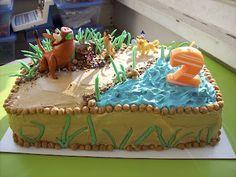 Hakuna Matata! Lion King Cake! - celebratedLady.com