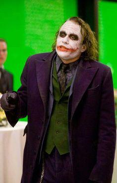 Heath Ledger the joker Dark Knight Costume, Joker Dark Knight, The Dark Knight Trilogy, Gotham Joker, Joker Heath, Joker And Harley, Harley Quinn, Joker Tumblr, Joker Photos