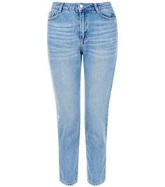 Petite. These pale blue straight leg jeans are ideal for relaxed looks. Team with a bardot neck top and platform sandals for the summer.- Light wash finish- Button and zip fly fastening- Belt loops- Classic 5 pocket design- Casual fit that is true to size- Model wears UK 10/EU 38/US 6 Petite size guide:UK size 4: Bust - 78cm, Waist - 60cm, Hips - 84cmUK size 6: Bust - 80cm, Waist - 62cm, Hips - 86cmUK size 8: Bust - 84cm, Waist - 66cm, Hips - 90cmUK size 10: Bust - 88cm, Waist - 70cm, Hips…
