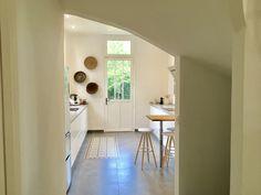 L'ancienne porte conservée pour accéder au jardin Croissy Sur Seine, Beautiful Homes, House Of Beauty