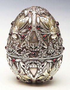 An Imperial Russian Art Nouveau Silver Egg Moscow Art Nouveau, Vintage Silver, Antique Silver, Theme Design, Fabrege Eggs, Sculpture Metal, Art Ancien, Zinn, Egg Art
