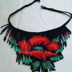Изделия из бисера Beaded Necklace Patterns, Beading Patterns, Crochet Necklace, Bead Jewellery, Beaded Jewelry, Beaded Bracelets, Beaded Crafts, Jewelry Crafts, Handmade Beads