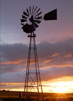 Windmill in the middle of a wheat field in Oregon