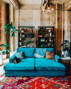 Bohemian Home Decor and Interior Design Ideas: Bohemian interior designs and home decor ideas are all interesting and a trending mode to change the simple beauty of the dreamland into the most exciting one. Bohemian House, Boho Home, Bohemian Living, Hippie House Decor, Bohemian Bedrooms, Boho Style Decor, Bohemian Decor, Bohemian Style, Modern Bohemian