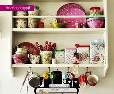 Para deixar sua cozinha mais alegre, decore com utensílios coloridos e transforme a arte de cozinhar em diversão.