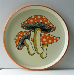 Vintage Groovy Mushroom Serving Tray ready for the MOD party of the year Quirky Kitchen, Kitchen Themes, Vintage Kitchen, Vintage Dishes, Vintage Hippie, Vintage 70s, Vintage Items, Mushroom Decor, Mushroom Art