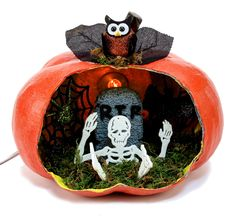 Nicole™ Crafts Pumpkin Diorama #halloween #craft #pumpkin