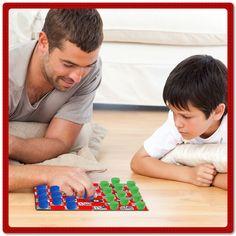 Reutiliza los materiales que tengas en casa y con tus hijos hagan su propio tablero de damas. ¡Diviértanse juntos! ¿Quién de los dos ganó? ¿Qué necesitas? Lápiz adhesivo marca Pritt, un pedazo de cartón de 40x40 cm, 32 cuadritos de periódico de 5x5 cm, 32 cuadritos de papeñ rojo de 5x5 cm, 24 taparroscas, 12 de un color y 12 de otro. #Manualidades #DIY #Juegos #Crafting #Pritt