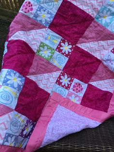 Baby Quilt Pink/ Baby Quilt Handmade/ Quilt Flowers/ Baby Girl Quilt/ Quilts by HTH on Etsy