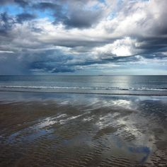 Tonight's walk. Got to love the light here in the far north of Scotland Reiss Beach in Caithness. #Seascape #reissbeach #caithness #scottishhighlands #inspirationgathering #scotland www.havenhouseart.com