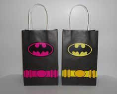 Printable--> Batgirl & Batman birthday party favor/ goodie/ goody/ treat/ candy/ loot/ favors bag/ bags. Batgirl and Batman party decoration/ fiesta/ festa/ cake/ pastel/ bolo/ capes/ costume/ cupcakes/ cookies/ invite/ invitation/ convite/ labels/ tags/ banner/ sign/ piñata/ backdrop/ photo props/ dress/ shirt/ twins/ cumpleaños/ free