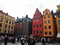 9/7~14まで、デンマーク、ノルウェー、スウェーデン、フィンランドと<br />北欧4か国をめぐる旅をしてきました。<br /><br />3か国目はスウェーデン。<br />ノルウェーのオスロから列車でストックホルムへ。<br />カラフルな建物が可愛らしいストックホルムの街を、<br />短い時間でしたが満喫しました