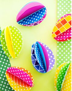 3D Easter Eggs, diy Easter eggs, Easter paper crafts, Easter table decor  @Mindy Burton CREATIVE JUICE   @getcreativejuice.com