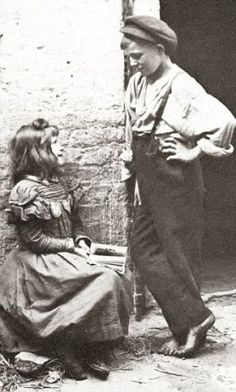 vintage everyday: 100-Year-Old Photos of Destitute East End Children