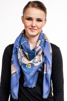 Guess Frosted Cotton Kefiah, blue 55,00 € www.fashionstore.fi
