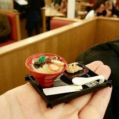 パリの一風堂さんにて♡ ぽあろさん作の一風堂ミニチュアたちにわたしの餃子ミニチュアをつけて✨  写真を整理していたらでてきました♡  Parisすでに懐かしいですが、また近々予定があるのでたのしみです❤  #miniaturefoodassociationofjapan #miniaturefood #日本ミニチュアフード協会 #ミニチュアフード #ミニチュア #miniature #fakefood #kawaii  #ハンドメイド  #handmade#ramen#ラーメン  #パリ#パリ出張#paris#france #ippudo #ippudoparis#一風堂#一風堂パリ#餃子