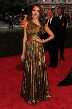 Jessica Alba shines on the red carpet at the Met Gala